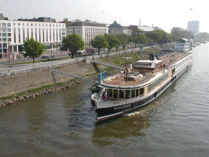 Bratislava pier, Bratislava by boat