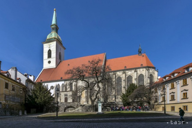 St. Martin`s Cathedral during Bratislava Classical Walkign Tour