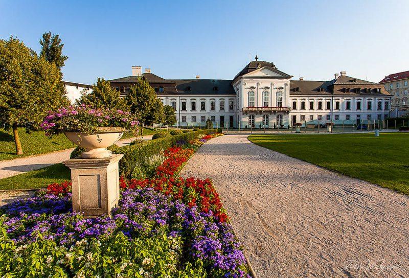 Running in Bratislava, presidential palace garden